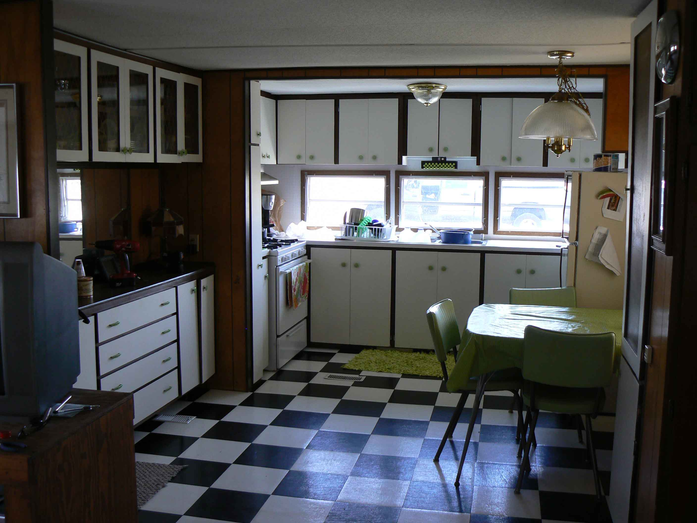 Lakwood Mobile Home Court on mobile washer and dryer, mobile home kitchens, mobile home patios, mobile home fireplace, mobile home sink, mobile home bathrooms, mobile home ovens,
